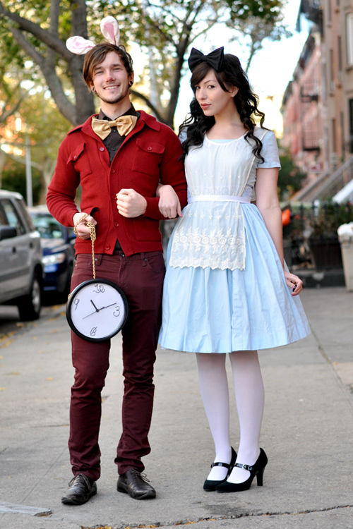halloween couples costume alice in wonderland white rabbit
