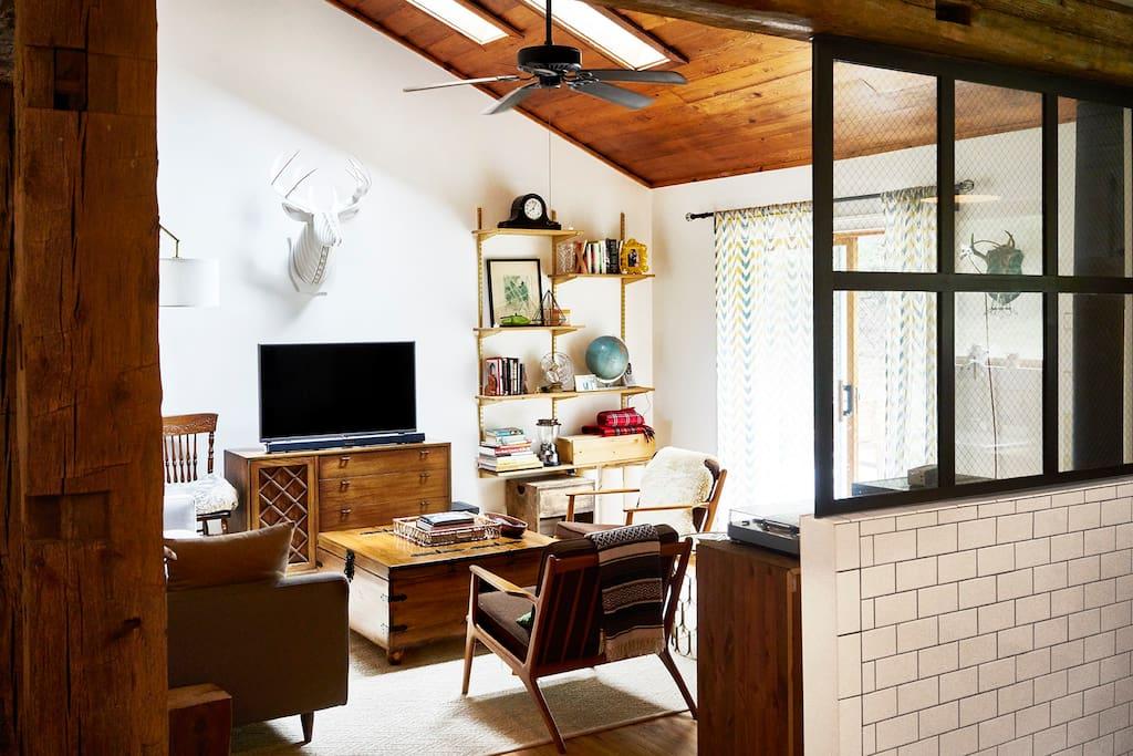 Dreamy Winter Getaways on Airbnb - Cozy Catskills Winter House