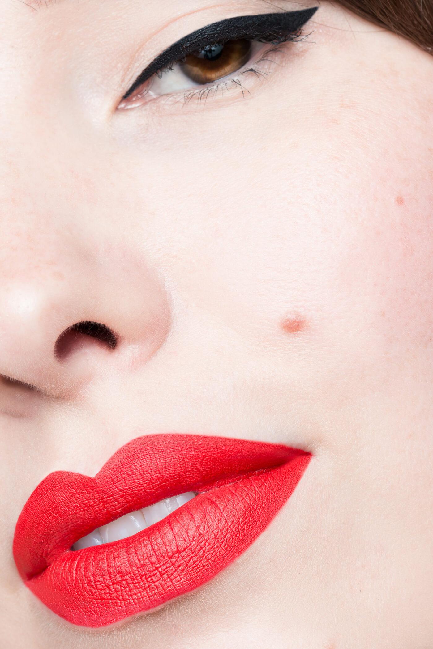 smashbox always on matte liquid lipstick bang bang swatch