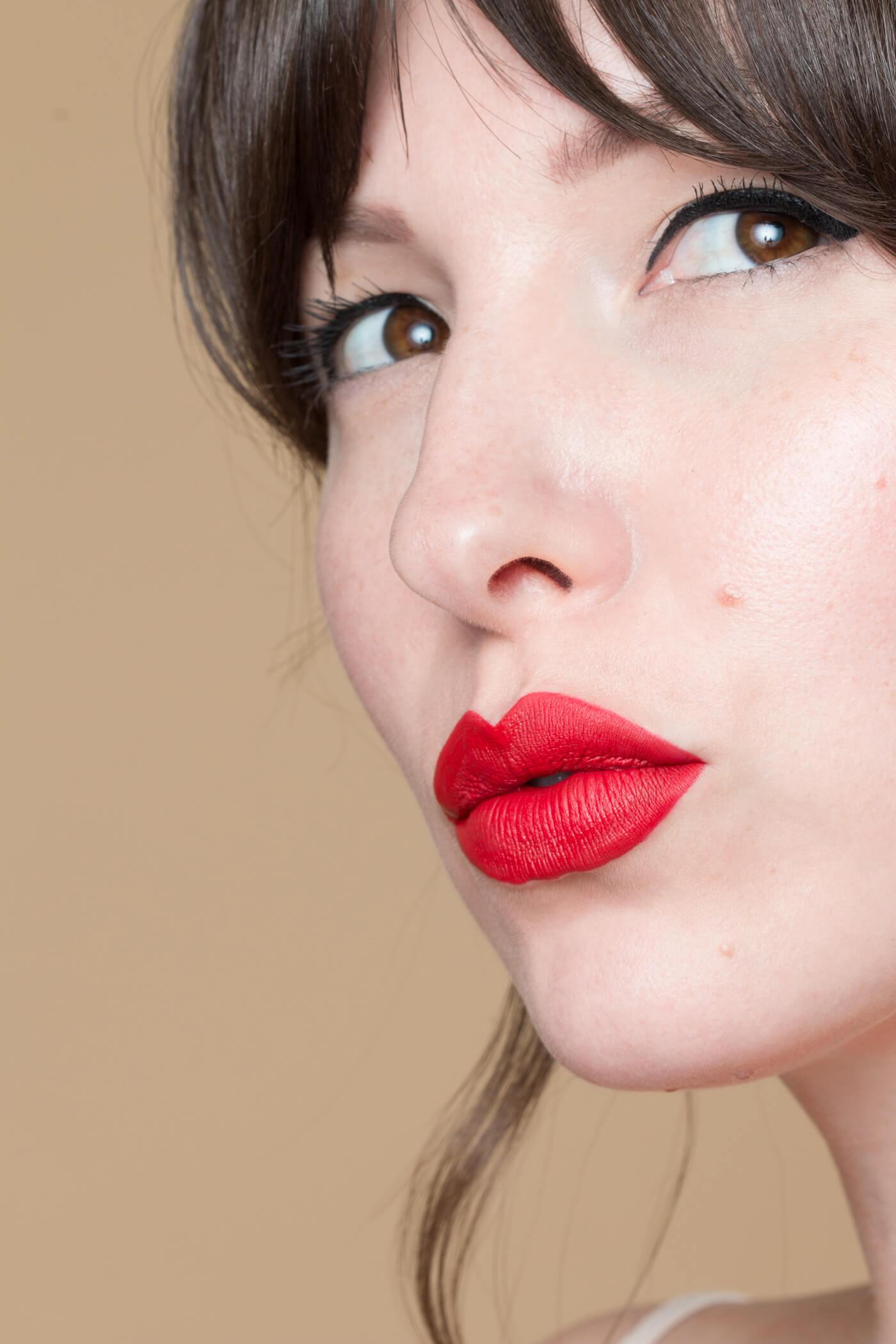 smashbox always on matte liquid lipstick bawse swatch