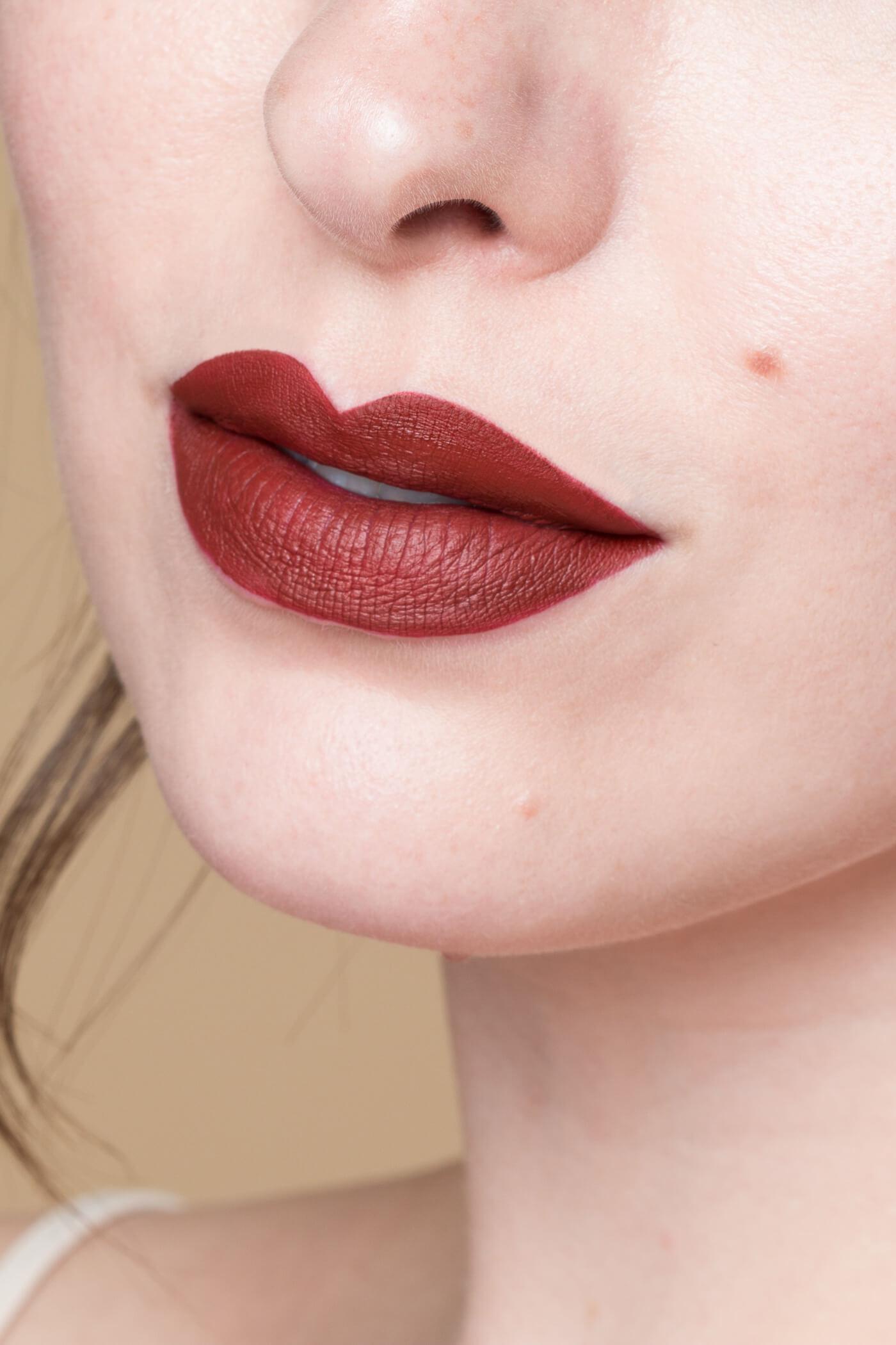 smashbox always on matte liquid lipstick disorderly swatch