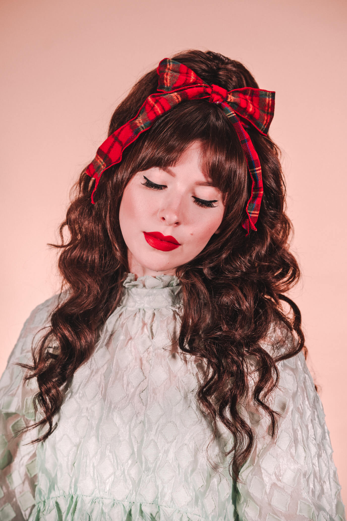 retro holiday hair tutorial with lots of volume